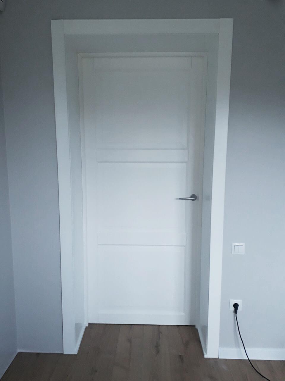 Двери Рим белые глухие широкий добор Ваши Двери